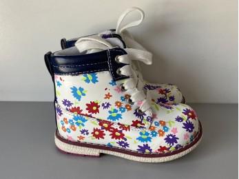 Черевики для дівчинки білі в квіти  22,23,24,26,27 (2181)