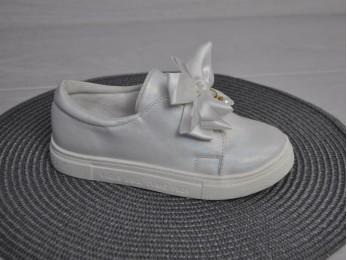 Туфлі - мокасини для дівчинки білі (1525)