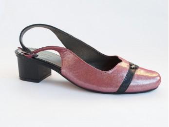 Босоніжки жіночі шкіра рожеві 40-43 (2314)