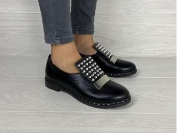 Жіночі туфлі на резинці шкіра чорні (2042)