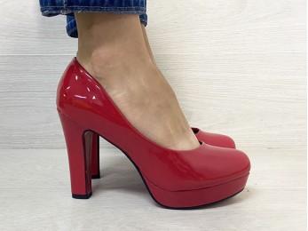 Туфлі жіночі лак червоні (1645)